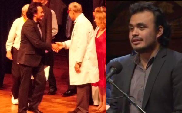 Tulio Guadalupe recibiendo el premio Ig Nobel 2012