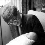 Stephen Hawking y su hijo Robert (1967)